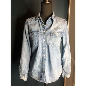 H&M chambray button up blouse